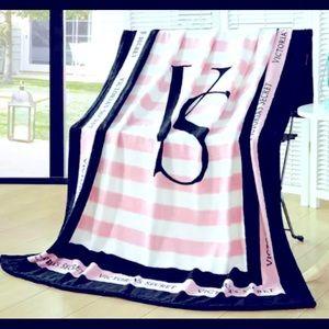 Fleece Victoria Secret Oversized Sofa Blanket RARE